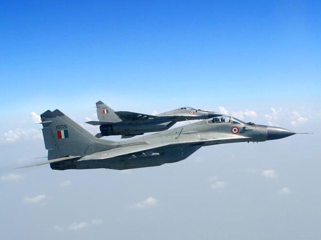 Tiêm kích Su-30MKI Ấn Độ vừa tham chiến bắn hạ F-16 Pakistan: Cuộc chiến không cân sức - Ảnh 4.