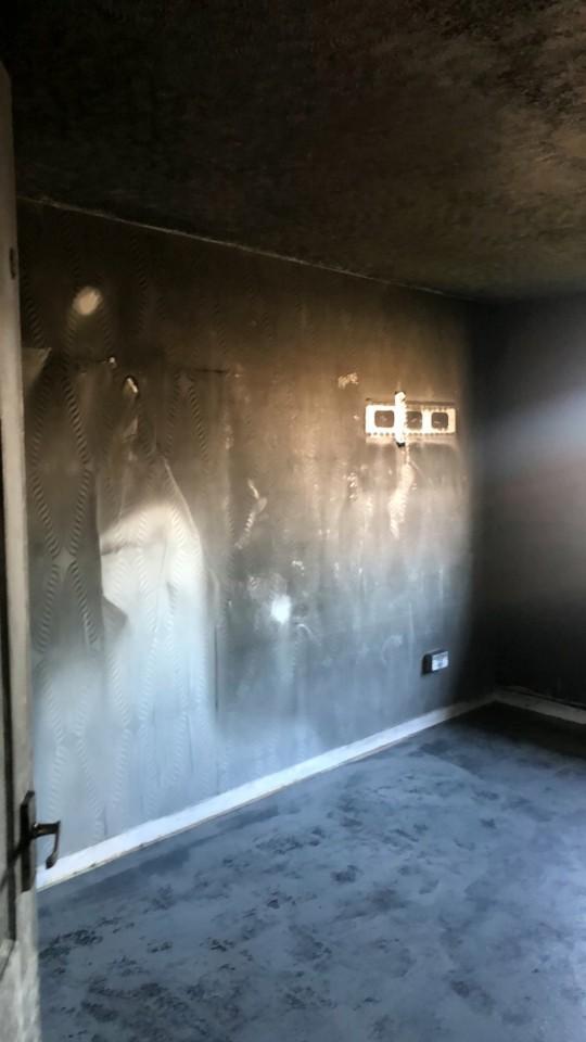 Ngôi nhà cháy rụi thành than chỉ trong chớp mắt vì sự nghịch ngợm của trẻ và lời cảnh báo cho các bậc cha mẹ - Ảnh 5.