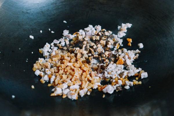 Người Tàu có món bánh nếp nhân thịt với cách làm cực dễ mà ăn sáng ngon rụng rời, thử một lần sẽ nhớ mãi không quên - Ảnh 2.
