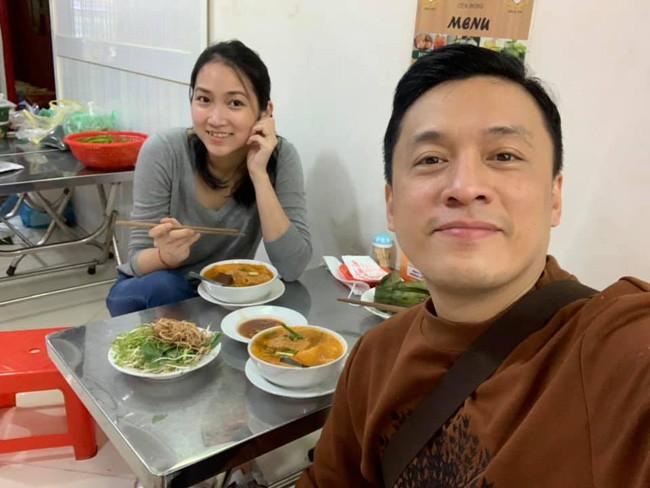 Khác hẳn tâm trạng cô đơn bên xứ người, vừa về Việt Nam vợ Lam Trường đã hào hứng thế này - Ảnh 1.