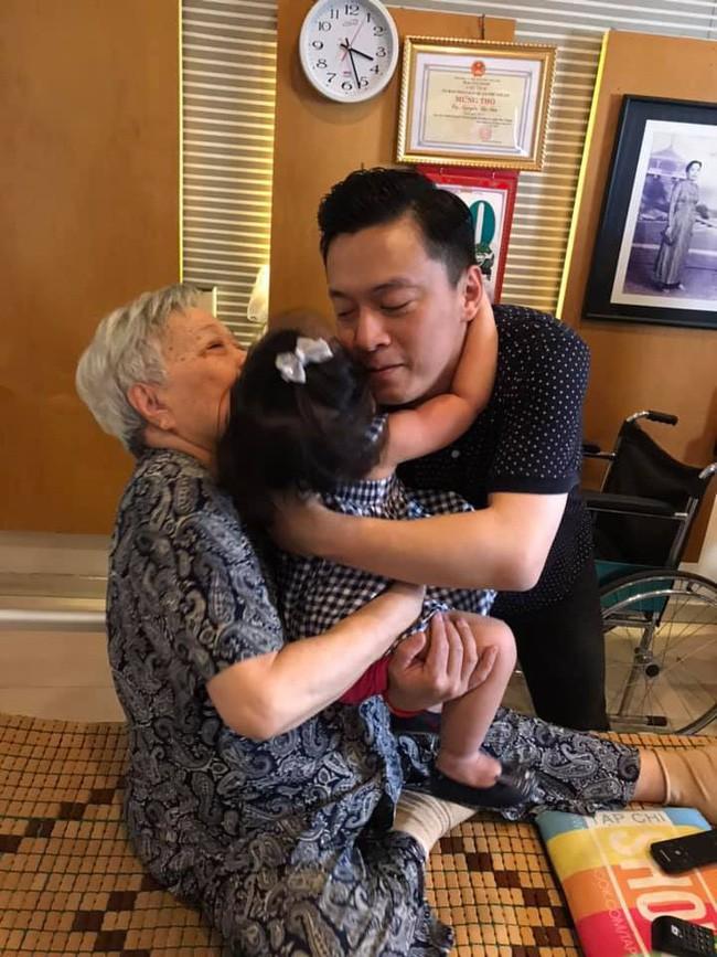 Khác hẳn tâm trạng cô đơn bên xứ người, vừa về Việt Nam vợ Lam Trường đã hào hứng thế này - Ảnh 2.