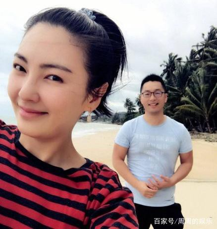 Chuyện thật như đùa: Mỹ nhân đâm chồng Trương Vũ Kỳ vui vẻ đi du lịch cùng chính người cũ và tình mới? - Ảnh 2.