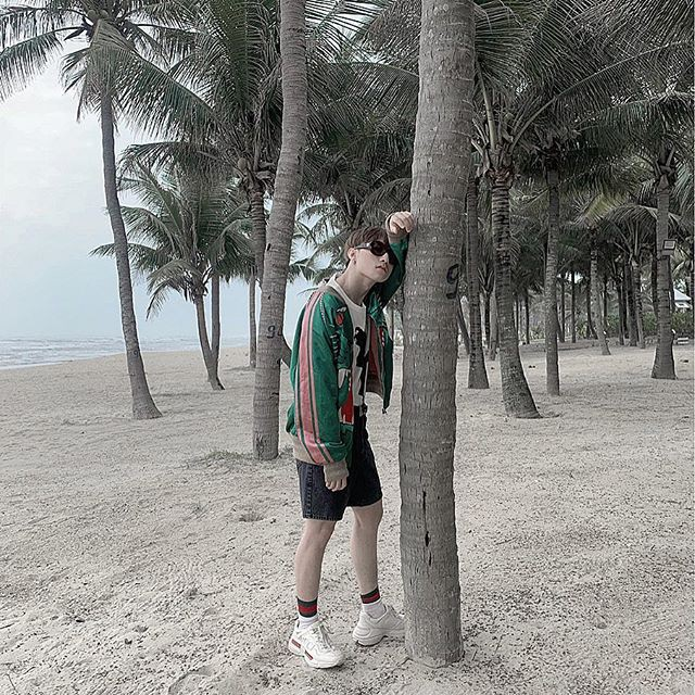 29 Tết sao Việt tấp nập trang trí nhà cửa, Sơn Tùng lại khoe ảnh đi du lịch chất chơi - Ảnh 2.