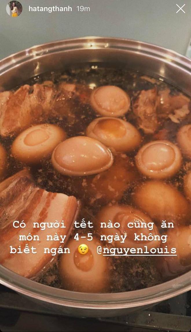 Sao Việt ngày cuối cùng năm Mậu Tuất: Người tất bật nấu nướng cho gia đình, người hào hứng khoe nhà cả triệu đô! - Ảnh 1.