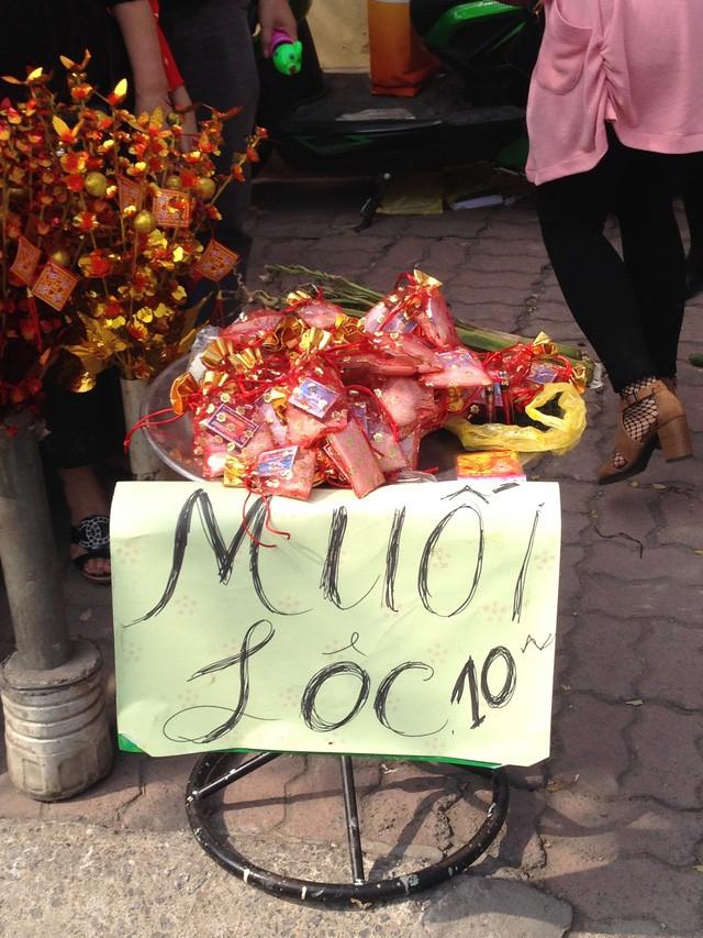 Nghỉ Tết nhưng vẫn muốn tăng thu nhập, đây là những mặt hàng cho lãi tiền triệu trong ngày mùng 1, mùng 2 Tết - Ảnh 1.