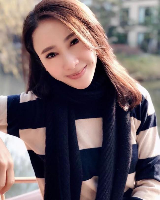 3 ngọc nữ TVB tuổi Hợi: Bước chân vào làng giải trí với con đường đầy hoa và cuộc sống viên mãn ở tuổi U50 - Ảnh 1.