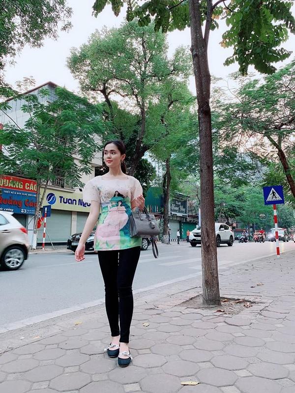 Nhật Lê, Quỳnh Anh và hội chân dài của ĐT Việt Nam hóa thiên thần với áo dài, bà ba đón Tết - Ảnh 2.