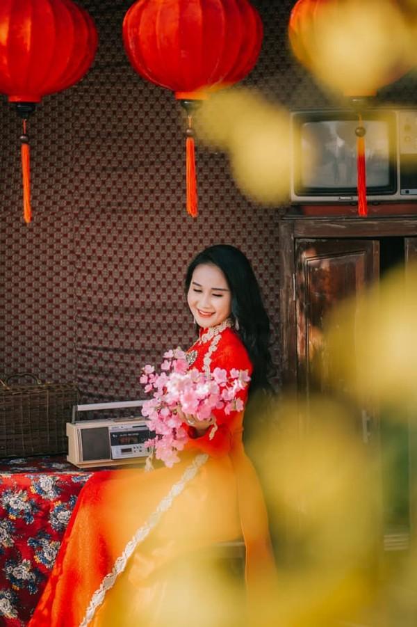 Nhật Lê, Quỳnh Anh và hội chân dài của ĐT Việt Nam hóa thiên thần với áo dài, bà ba đón Tết - Ảnh 5.