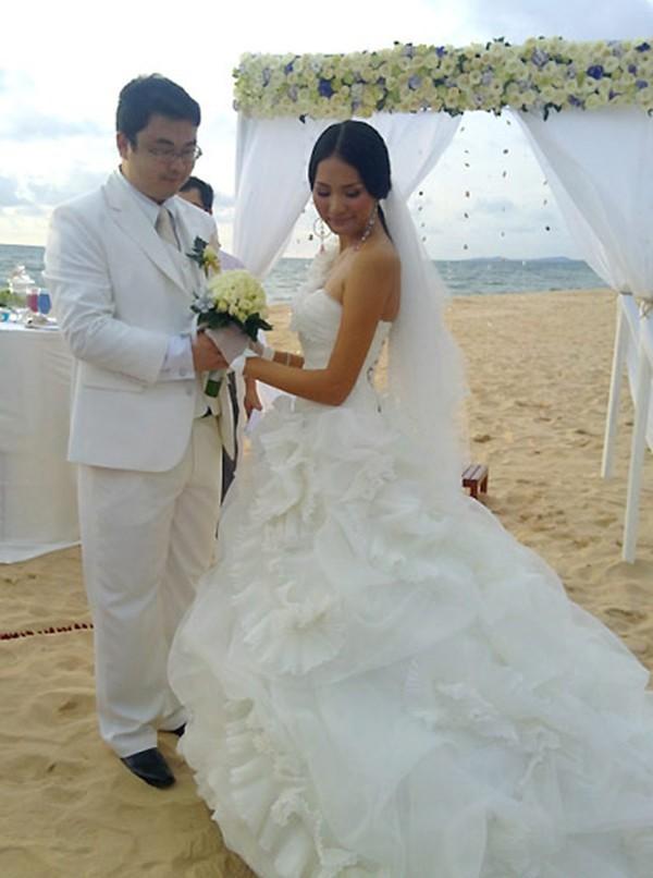 Cuộc sống của hoa hậu Việt duy nhất khiến H'Hen Niê lép vế - Ảnh 3.