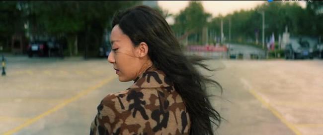 Mỹ nhân vô danh bỗng thành nàng thơ mới của Châu Tinh Trì: Nhan sắc khó nói nhưng body gây ngỡ ngàng - Ảnh 2.