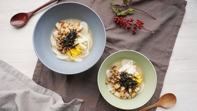 Tteok kuk - món ăn không thể thiếu dịp trong Tết của người Hàn - Ảnh 4.