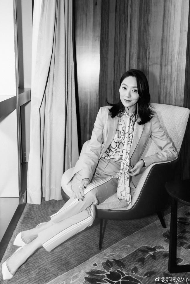 Mỹ nhân vô danh bỗng thành nàng thơ mới của Châu Tinh Trì: Nhan sắc khó nói nhưng body gây ngỡ ngàng - Ảnh 6.