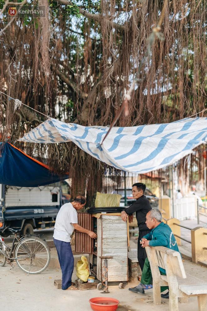 Về thăm ngôi làng ở Hà Nội ăn cả tấn thịt chó vào mùng 4 Tết hàng năm: Không ép bất cứ ai nếu họ không muốn ăn - Ảnh 8.