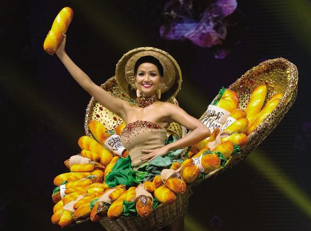 Hoa hậu H'Hen Niê vẻ đẹp truyền cảm hứng - Ảnh 2.