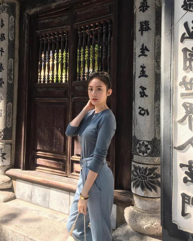Hot girl công chúa tóc mây gốc Việt khoe ảnh đi lễ chùa cực đằm thắm ở Trà Vinh dịp Tết - Ảnh 2.