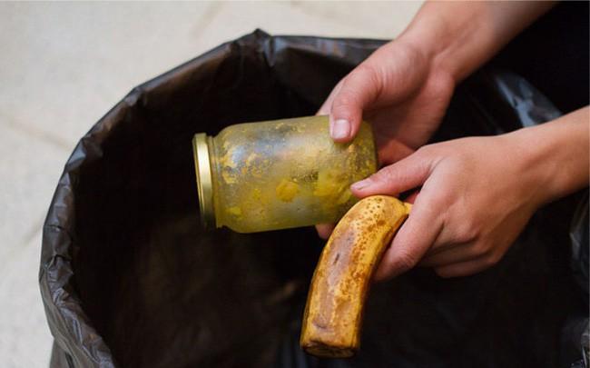 Khử mùi hôi tủ lạnh với 6 bước đơn giản, ai cũng có thể dễ dàng làm được - Ảnh 1.