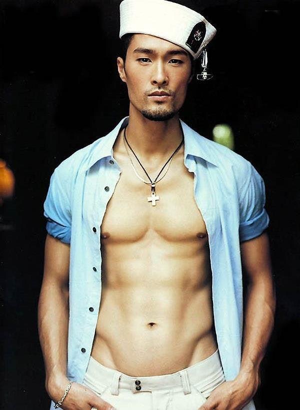 Johnny Trí Nguyễn lại khiến fans xót xa bởi vẻ ngoài gầy gò, tiều tuỵ - Ảnh 12.