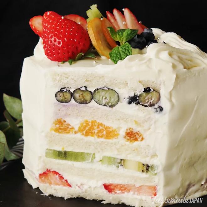 Giờ mới để ý, hóa ra người Nhật Bản thích cho trái cây tươi vào các loại bánh ngọt như thế này - Ảnh 5.