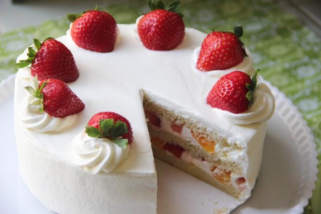 Giờ mới để ý, hóa ra người Nhật Bản thích cho trái cây tươi vào các loại bánh ngọt như thế này - Ảnh 6.