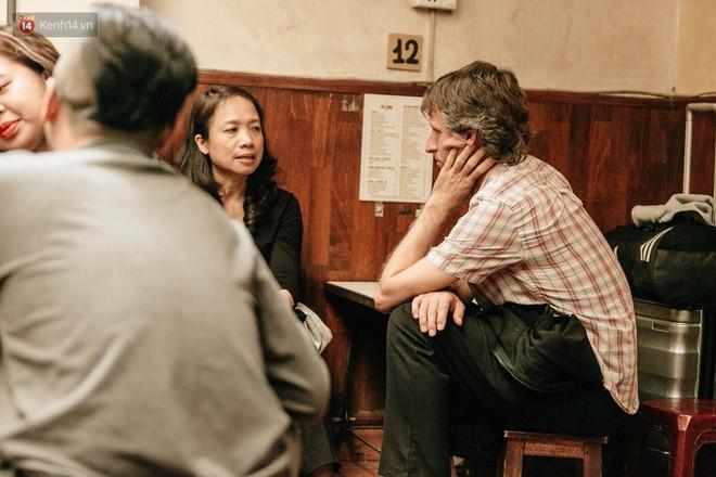 Ông chủ phục vụ 3.000 cốc cà phê trứng Giảng: Hà Nội không quyết định được thành - bại của thượng đỉnh, chỉ là đối đãi bạn bè quốc tế thật tốt - Ảnh 8.