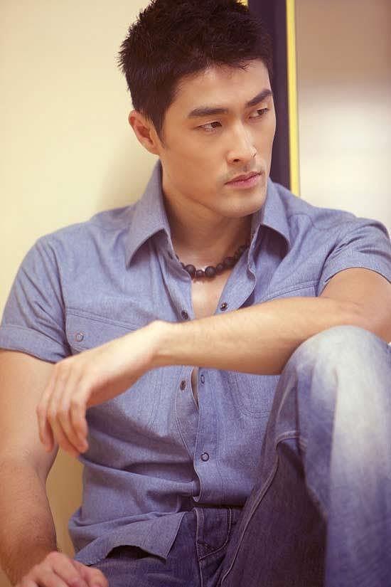 Johnny Trí Nguyễn lại khiến fans xót xa bởi vẻ ngoài gầy gò, tiều tuỵ - Ảnh 9.