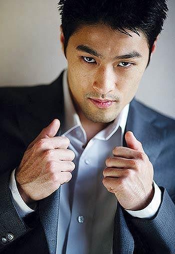 Johnny Trí Nguyễn lại khiến fans xót xa bởi vẻ ngoài gầy gò, tiều tuỵ - Ảnh 10.