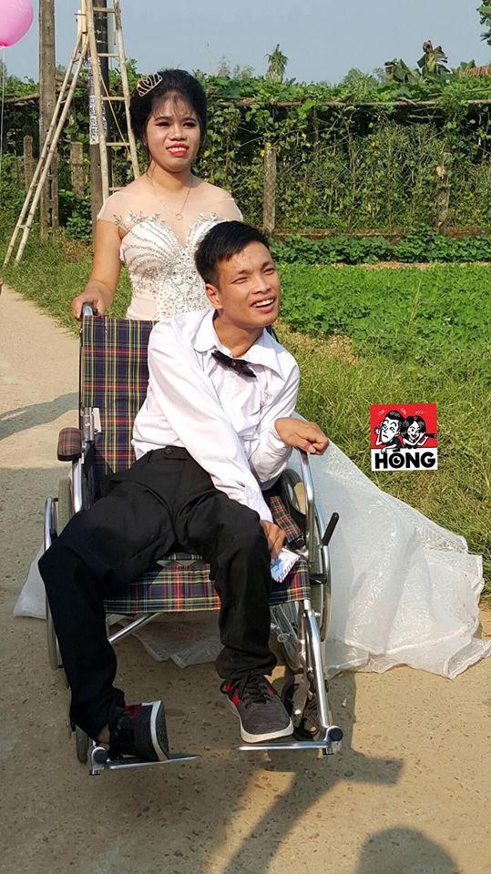 Đám cưới được nhắc nhiều nhất ngày Chủ nhật: Cặp đôi cùng xe đón dâu đặc biệt gây xúc động - Ảnh 3.