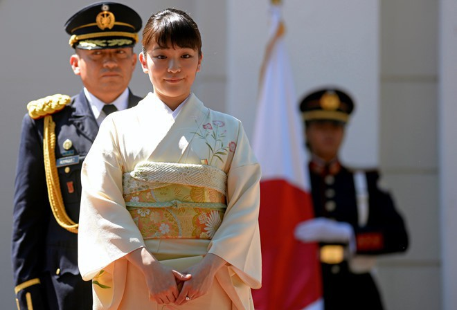 Mako nàng công chúa Nhật Bản: Rời hoàng tộc vì tình yêu, chấp nhận chờ hoàng tử trả nợ xong mới cưới - Ảnh 2.