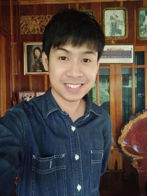 Chàng trai bị vua sầu riêng Thái Lan đánh trượt cuộc thi kén rể vì quá đẹp trai - Ảnh 1.