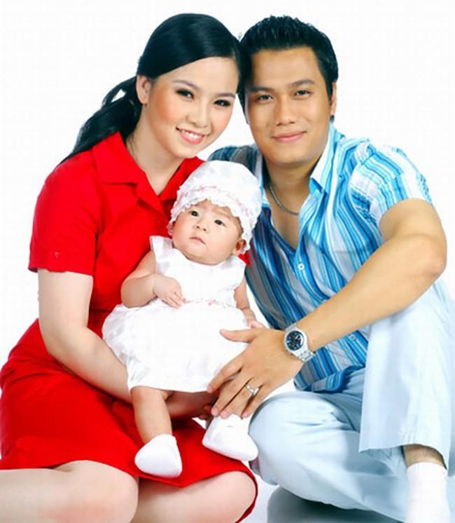 Đường tình trắc trở của diễn viên Việt Anh: Hai người vợ trái ngược tính cách và những nghi vấn tình ái với mỹ nhân showbiz Việt - Ảnh 1.