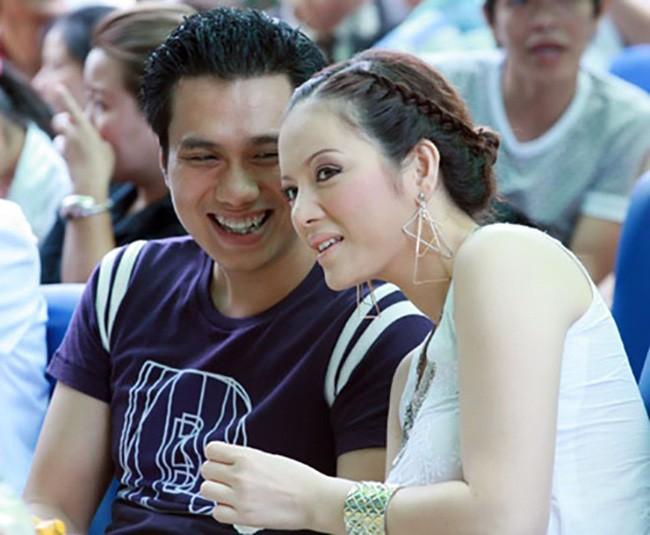 Đường tình trắc trở của diễn viên Việt Anh: Hai người vợ trái ngược tính cách và những nghi vấn tình ái với mỹ nhân showbiz Việt - Ảnh 3.