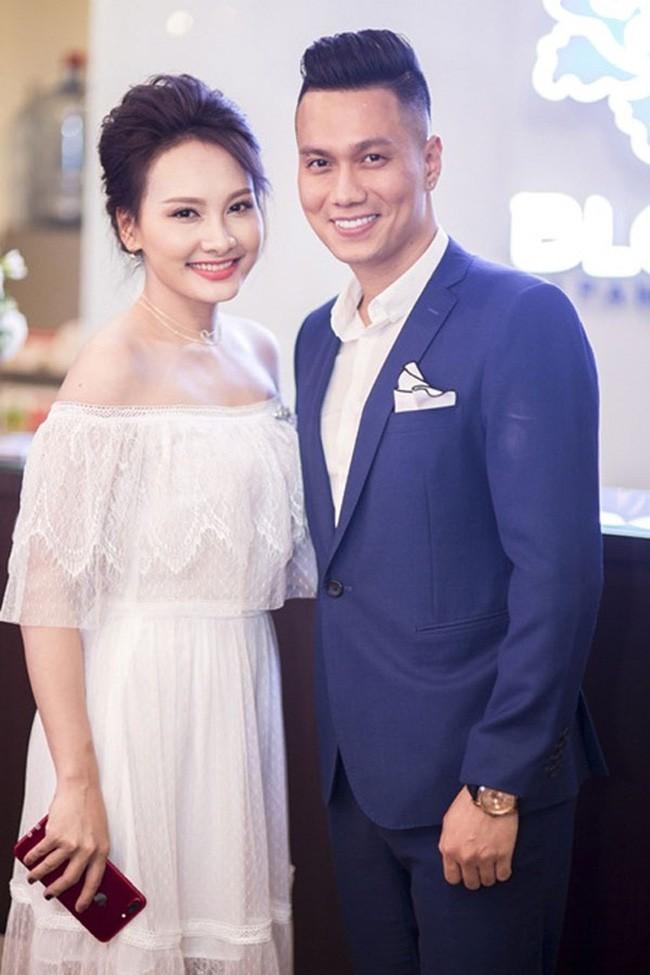 Đường tình trắc trở của diễn viên Việt Anh: Hai người vợ trái ngược tính cách và những nghi vấn tình ái với mỹ nhân showbiz Việt - Ảnh 5.