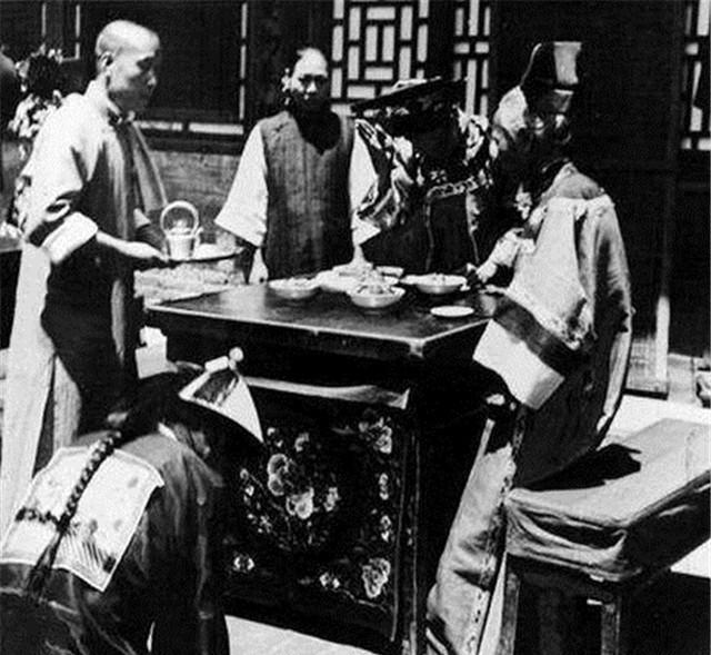 Ảnh hiếm về cách tổ chức hôn lễ của một gia đình quý tộc Trung Quốc thời nhà Thanh - Ảnh 12.