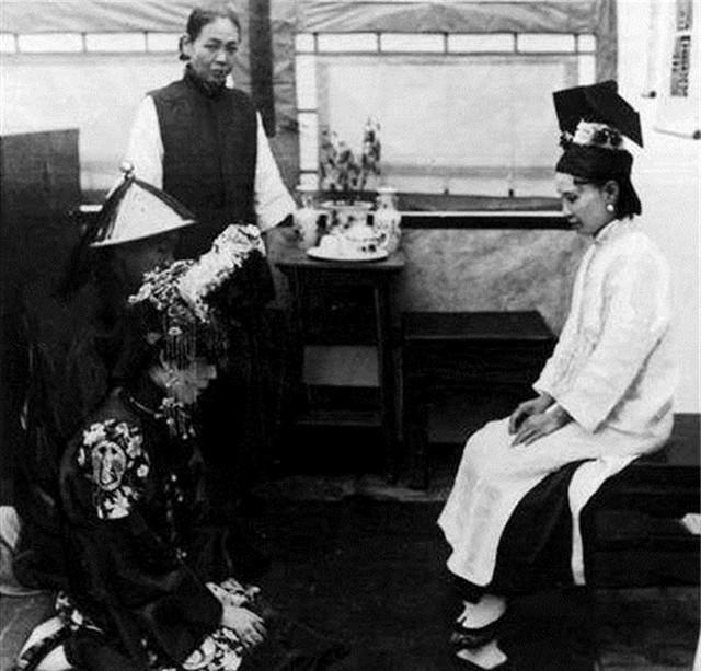 Ảnh hiếm về cách tổ chức hôn lễ của một gia đình quý tộc Trung Quốc thời nhà Thanh - Ảnh 6.