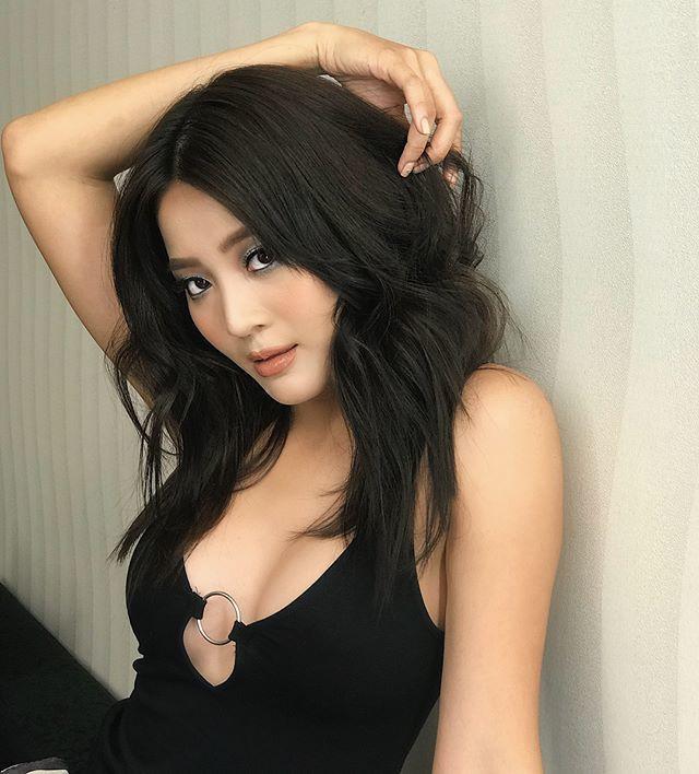 Ngoại hình nóng bỏng của cô gái giật bồ Hương Giang trong MV mới - Ảnh 9.