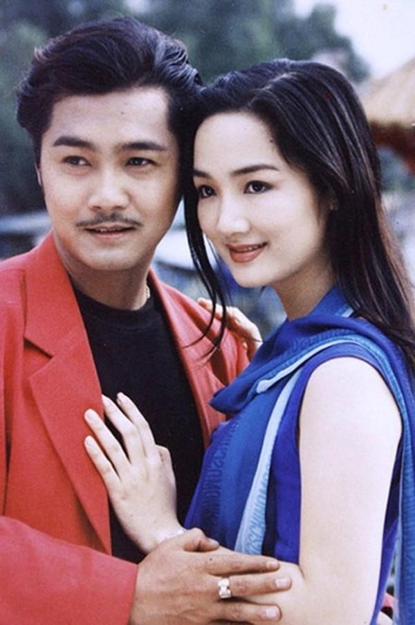 Cảnh làm mẹ đơn thân trong nhung lụa của Hoa hậu trẻ đẹp sau 30 năm không có người kế nhiệm - Ảnh 2.