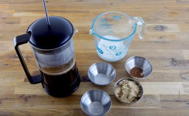 Dùng nguyên liệu này để pha cà phê, bạn sẽ bất ngờ với kết quả mình nhận được - Ảnh 1.