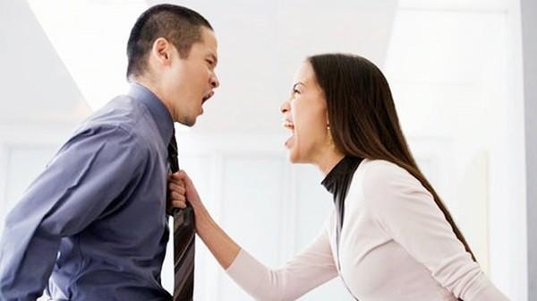 Vợ không chịu về nhà, chồng làm điều kinh khủng này khiến vợ mất khả năng tự chăm sóc bản thân suốt đời - Ảnh 1.