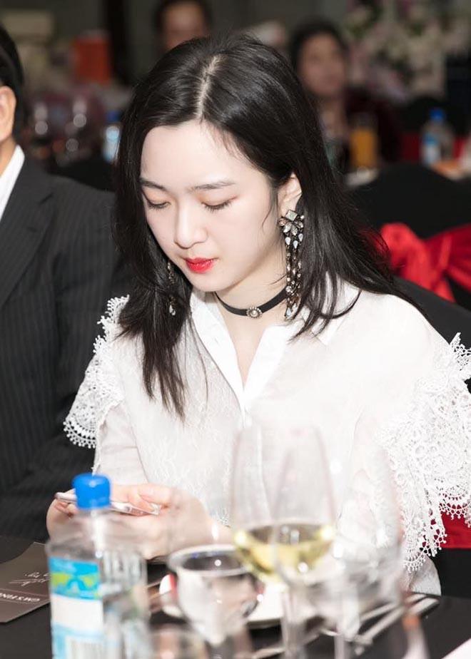 Nhan sắc xinh đẹp không tì vết của con gái HH Giáng My và chủ tịch Tân Hoàng Minh - Ảnh 5.