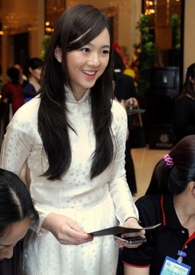 Nhan sắc xinh đẹp không tì vết của con gái HH Giáng My và chủ tịch Tân Hoàng Minh - Ảnh 8.