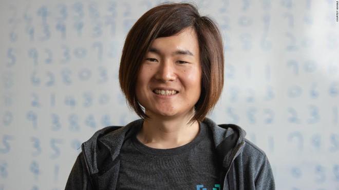 Tính ra được 31,4 triệu triệu chữ số của Pi, cô nhân viên tài năng của Google lập kỷ lục Guinness - Ảnh 2.