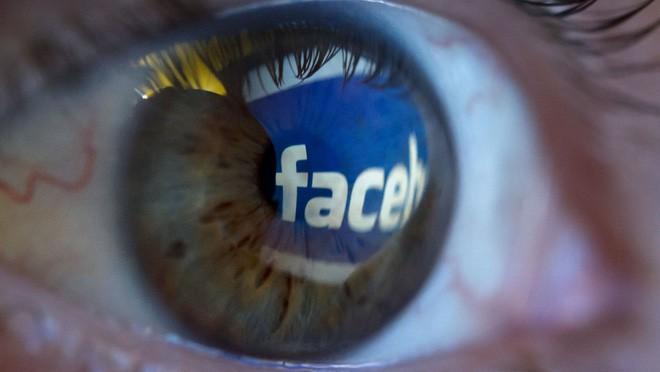 Facebook, YouTube bất lực trong việc ngăn chặn livestream bạo lực giết người - Ảnh 1.
