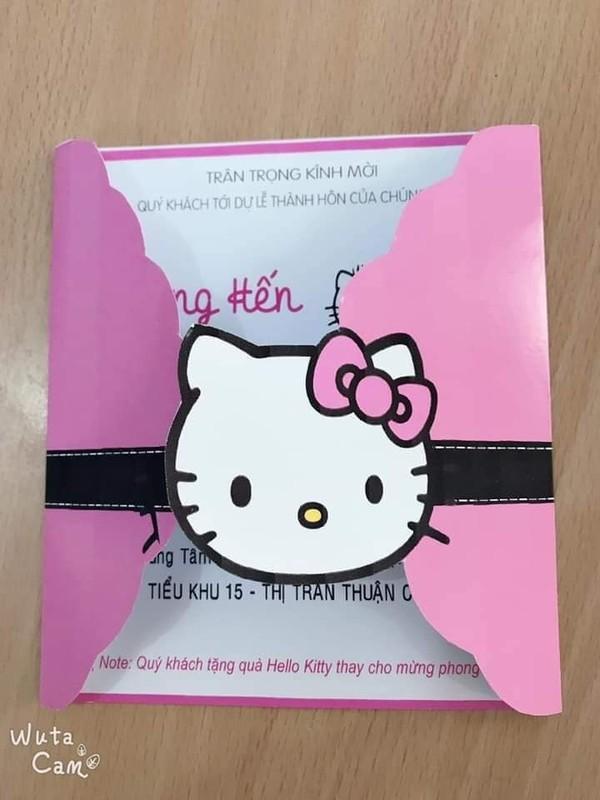 Cô gái cuồng Kitty: Thiệp cưới in hình Kitty hồng còn 'lầy lội' mong quý khách tặng quà Hello Kitty thay cho mừng phong bì - Ảnh 1.