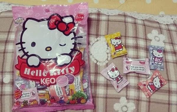 Cô gái cuồng Kitty: Thiệp cưới in hình Kitty hồng còn 'lầy lội' mong quý khách tặng quà Hello Kitty thay cho mừng phong bì - Ảnh 8.