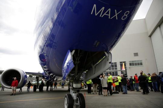 CÒN ĐÂU KIÊU HÃNH BOEING 737 MAX (*): Boeing 737 Max phủ khắp bầu trời - Ảnh 1.