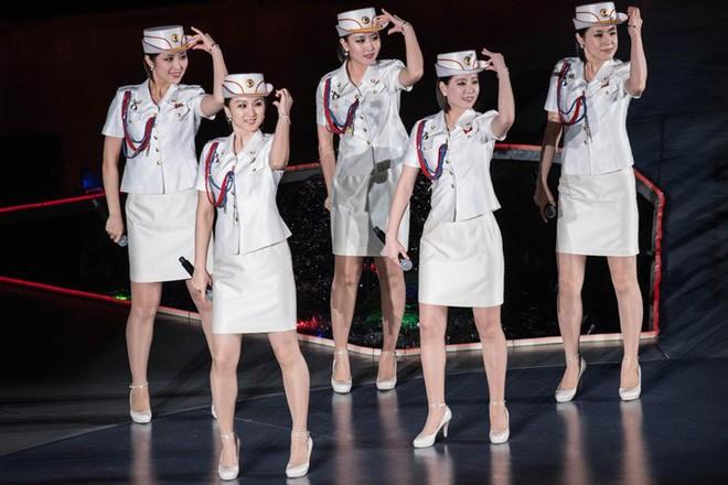 Ban nhạc nữ nổi tiếng nhất Triều Tiên xinh đẹp và quyền lực cỡ nào? - Ảnh 3.
