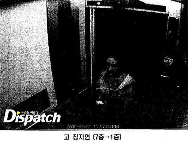 CHẤN ĐỘNG: Dispatch tung CCTV 10 năm trước của sao nữ Vườn sao băng, bằng chứng cô bị gài bẫy viết thư tuyệt mệnh - Ảnh 11.