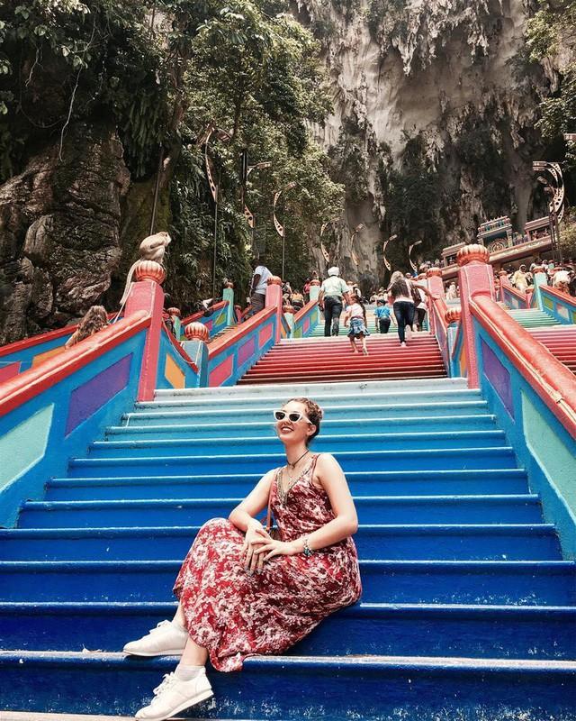Không thể bỏ lỡ nấc thang cầu vồng 12 năm mới xuất hiện một lần tại hang động nổi tiếng nhất Malaysia - Ảnh 18.