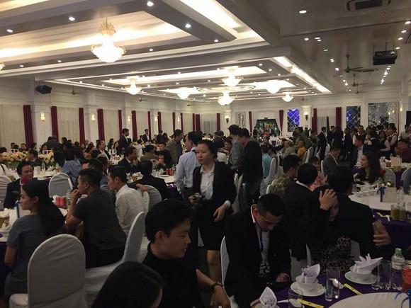 NSND Trung Hiếu tổ chức đám cưới với vợ trẻ kém 19 tuổi ở Thái Bình, bất ngờ nói điều này khiến cả hội trường thích thú - Ảnh 7.
