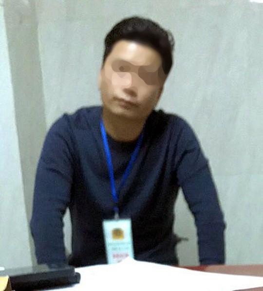 Ông Đỗ Mạnh Hùng đã nộp kho bạc 200 nghìn đồng, không đến xin lỗi nữ sinh vì ngại - Ảnh 1.